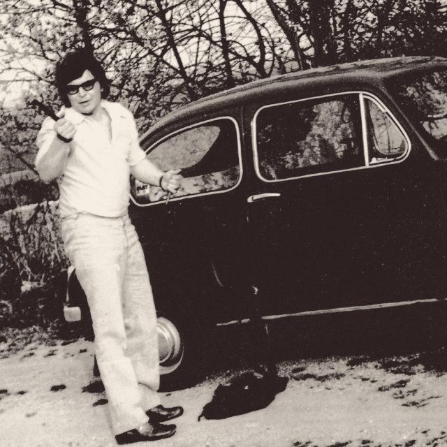 Miroslav Jeník u svého Fiatu 600