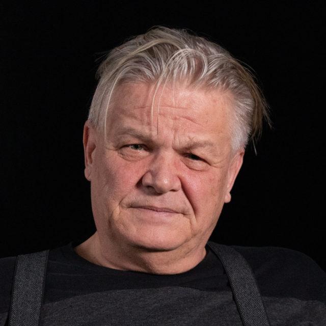 Miroslav Šik při natáčení rozhovoru pro Paměť národa v roce 2019