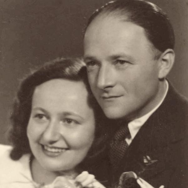 Svatební fotografie Františka a Vally v březnu 1946.